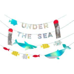 Girlande Unterwasser